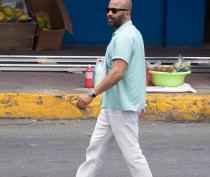 B25_Jamaica_BTS_016_SplashNews