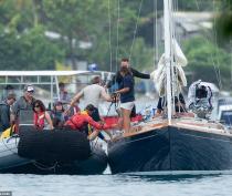 B25_Jamaica_BTS_044_SplashNews