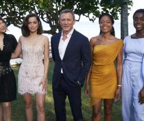 B25_Jamaica_Bond_Girls_Craig_Nicola_Dove-Rushard_Weir_1