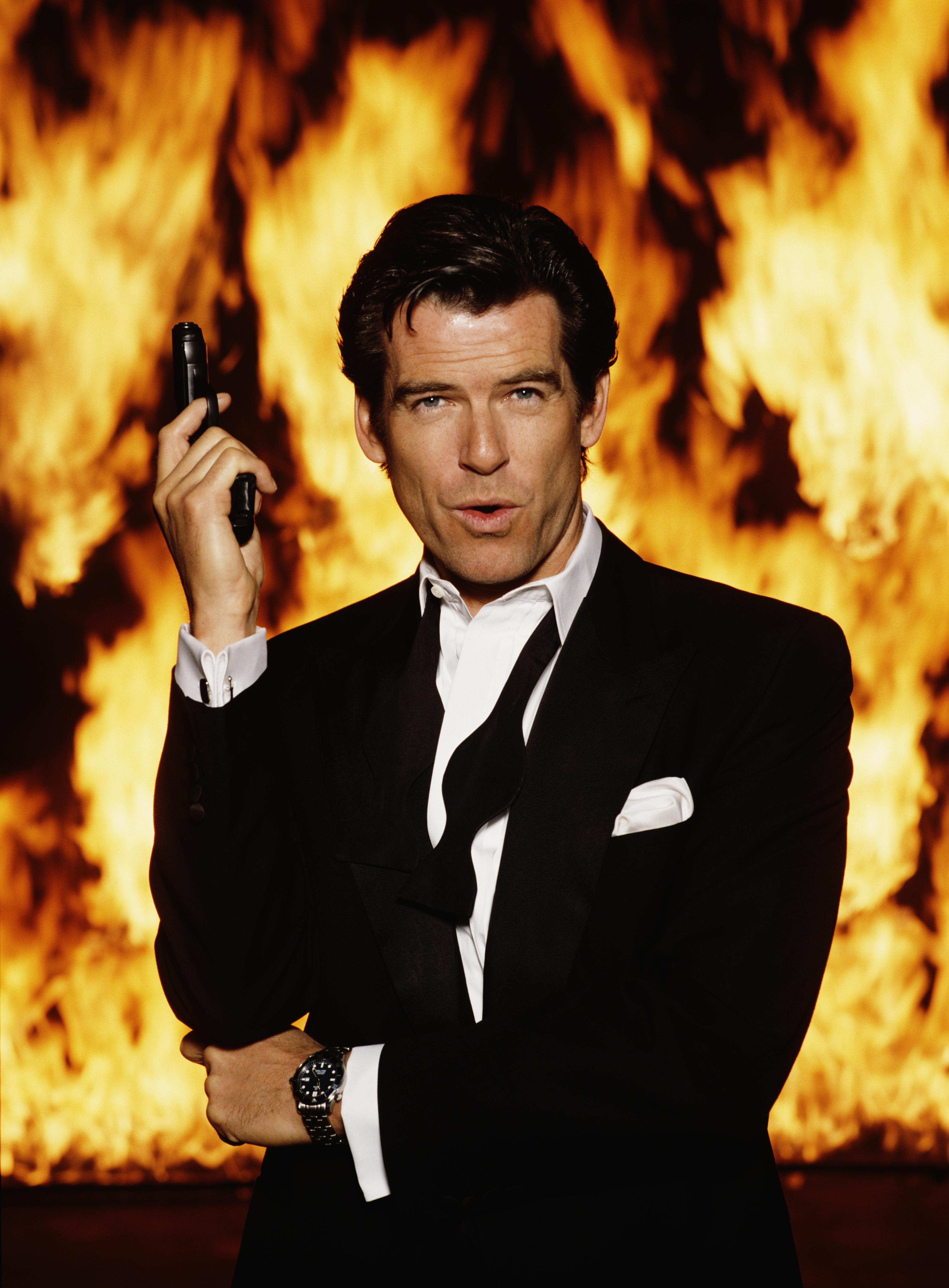 Foto promocional de Pierce Brosnan para o filme 007 Contra GoldenEye ® Keith Hamshere