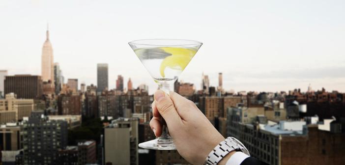 Ação da Vodka Belvedere homenageia James Bond em bares do mundo