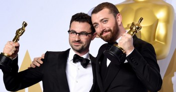 """Sam Smith vence o Oscar com música-tema de """"007 Contra SPECTRE"""""""