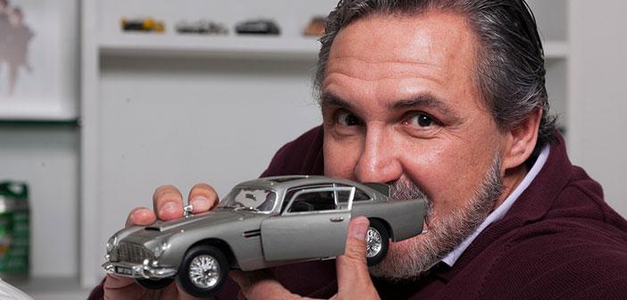 Fabrizio Fasano Jr. mostra sua coleção de miniaturas dos carros de 007