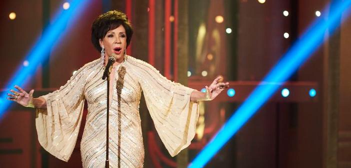 Shirley Bassey diz que gostaria de gravar mais uma música de James Bond