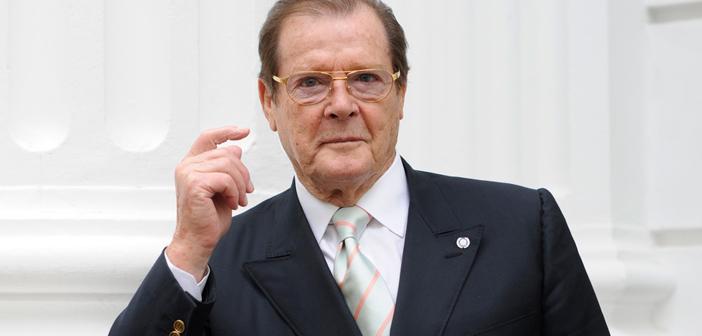 Inglês relembra encontro com Roger Moore e história viraliza na internet